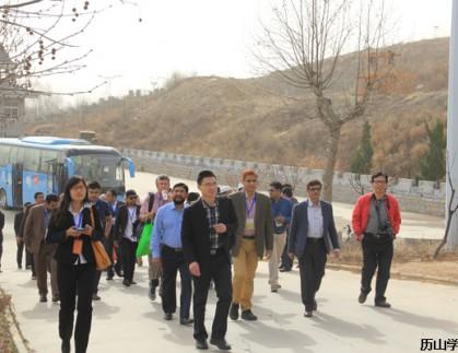第十届中国(济南)国际太阳能利用博览会海外采购团到我公司参观考察
